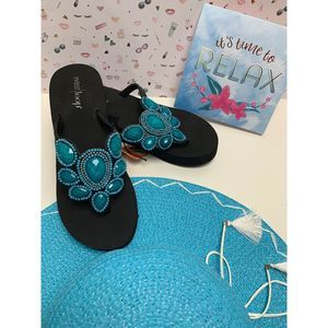 Women Summer flip flop size 5/6 blue